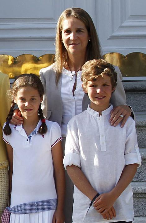 infanta-elena-com-os-filhos-victoria-fe-3cf8.jpg