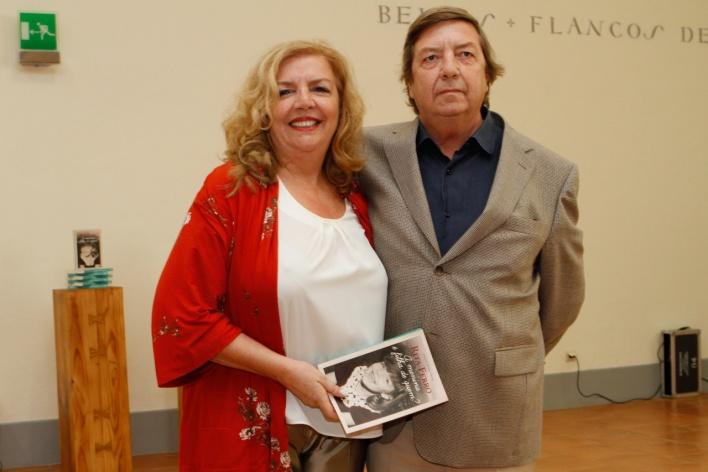 Caras Rita Ferro Provoca Risos E Lagrimas Ao Apresentar Autobiografia