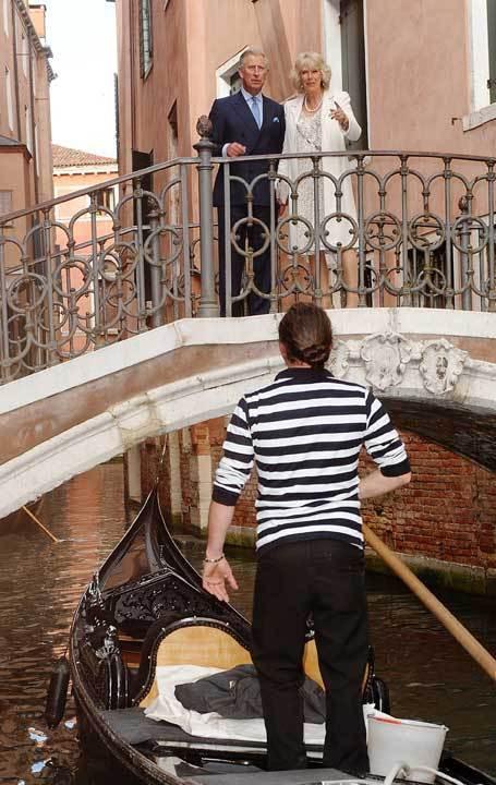Príncipe Carlos de Inglaterra e a mulher, Camilla, em Veneza