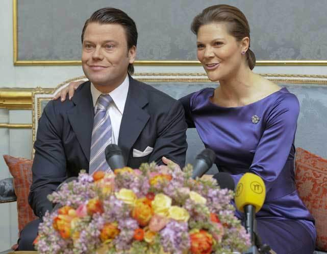 Daniel Westling e Victoria da Suécia no dia do anúncio do noivado (24 de Fevereiro de 2009)