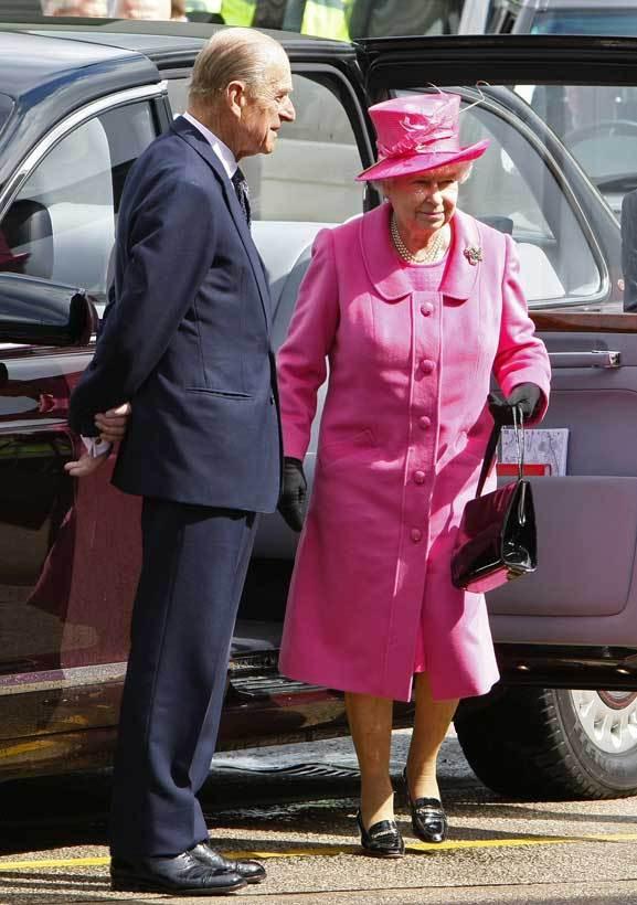 O príncipe consorte, Filipe, e a rainha Isabel II