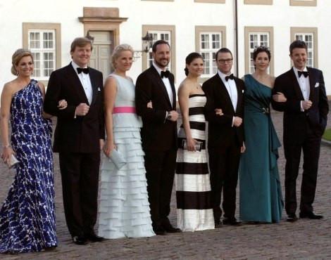 Máxima e Guilherme da Holanda, Mette-Marit e Haakon da Noruega, Victoria da Suécia e o noivo, Daniel Westling, e Frederico e Mary da Dinamarca