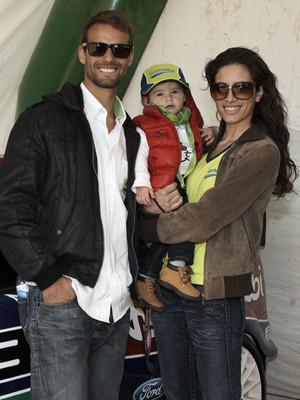 Pedro Guedes e Telma Santos com a filha, Maria