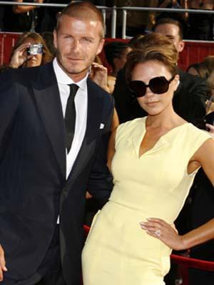 David e Victoria Beckham sofrem acidente de carro