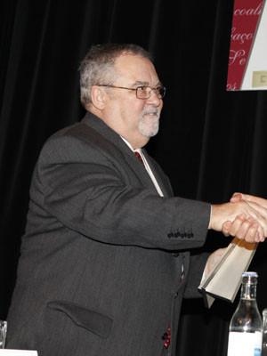 Mário Cláudio recebe prémio Fernando Namora