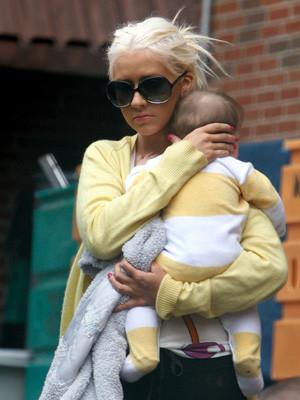 Christina Aguilera festeja primeiro aniversário do filho