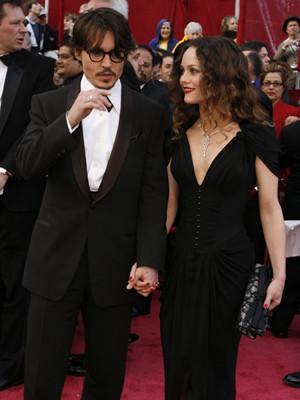Johnny Depp e Vanessa Paradis vão casar-se em Abril