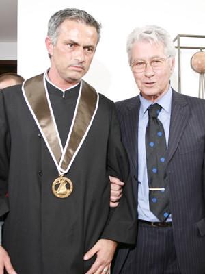 'Doutor' José Mourinho partilha dia de emoções com o pai, Félix Mourinho