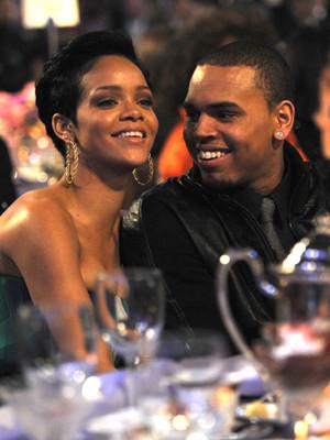Rihanna e Chris Brown podem ter casado em segredo