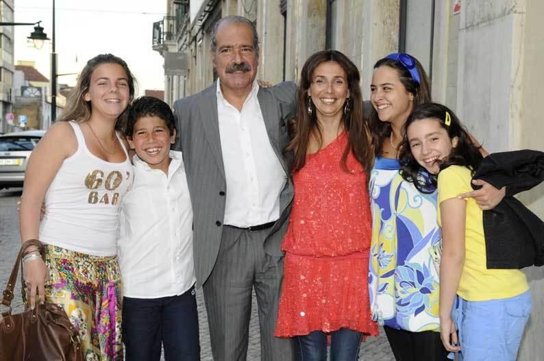 Paula Nabais com o marido, João, os filhos, Rafaela e Martim, a amiga, Filipa Freitas e a sobrinha, Renata Costa