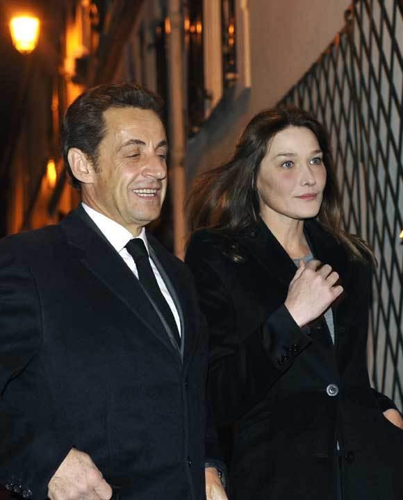 O presidente francês, Nicolas Sarkozy, e a primeira-dama, Carla Bruni