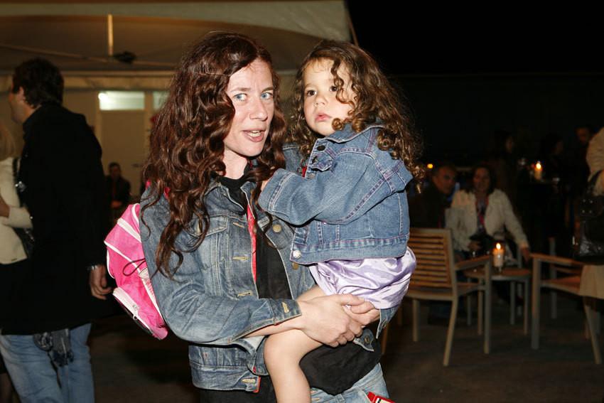 Julie Sergeatn com a filha, Maria Rita