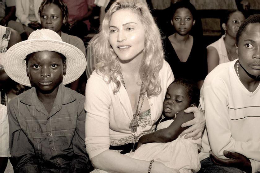 Madonna e Mercy James