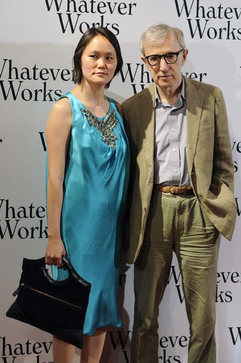 Soon Yi Previn e Woody Allen na estreia de 'Whatever Works'