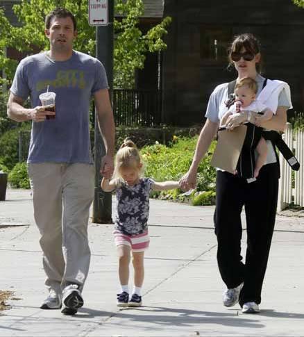 Ben Affleck e Jennifer Garner com as filhas, Seraphina Rose e Violet