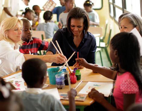 Jill Biden e Michelle Obama no Haiti