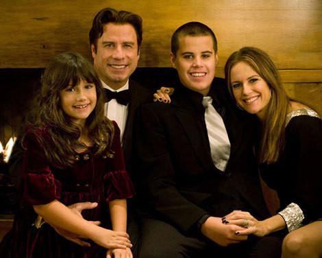 John Travolta com a mulher, Kelly Preston, e os filhos, Ella Bleu e Jett