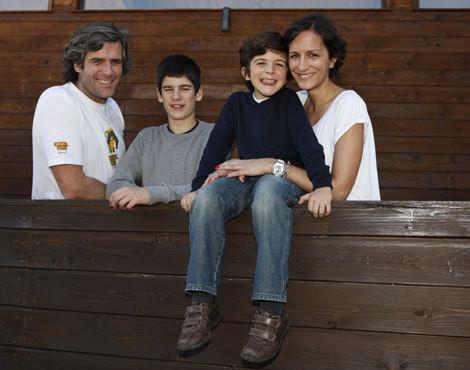 Mico da Camara Pereira e Joana de Sousa Cardoso com os filhos, Francisco, fruto de uma anterior relação do músico, e Afonso