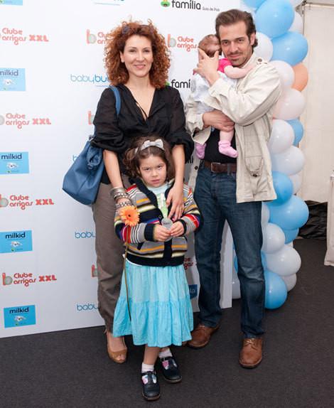 Mafalda Vilhena e Pepê Rapazote com as filhas