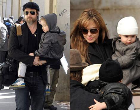 Brad Pitt com Knox Léon e Angelina Jolie com Vivienne Marcheline