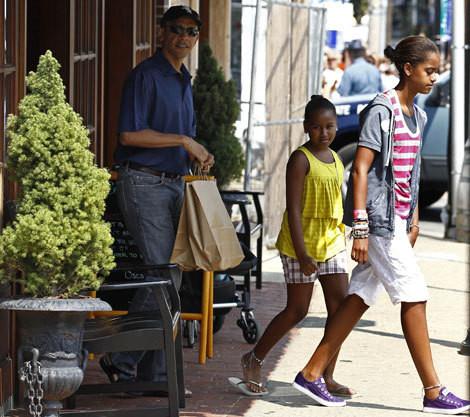 Barack Obama com as filhas, Sasha e Malia