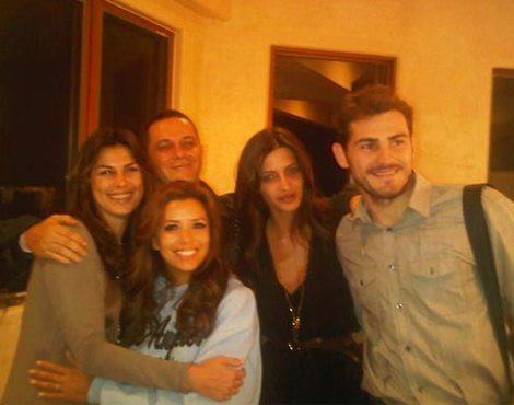 Raquel Perera, Alejandro Sanz, Sara Carbonero e Iker Casillas com Eva Longoria
