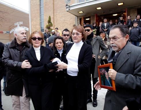 As irmãs de Carlos Castro e Cláudio Montez hoje em Newark