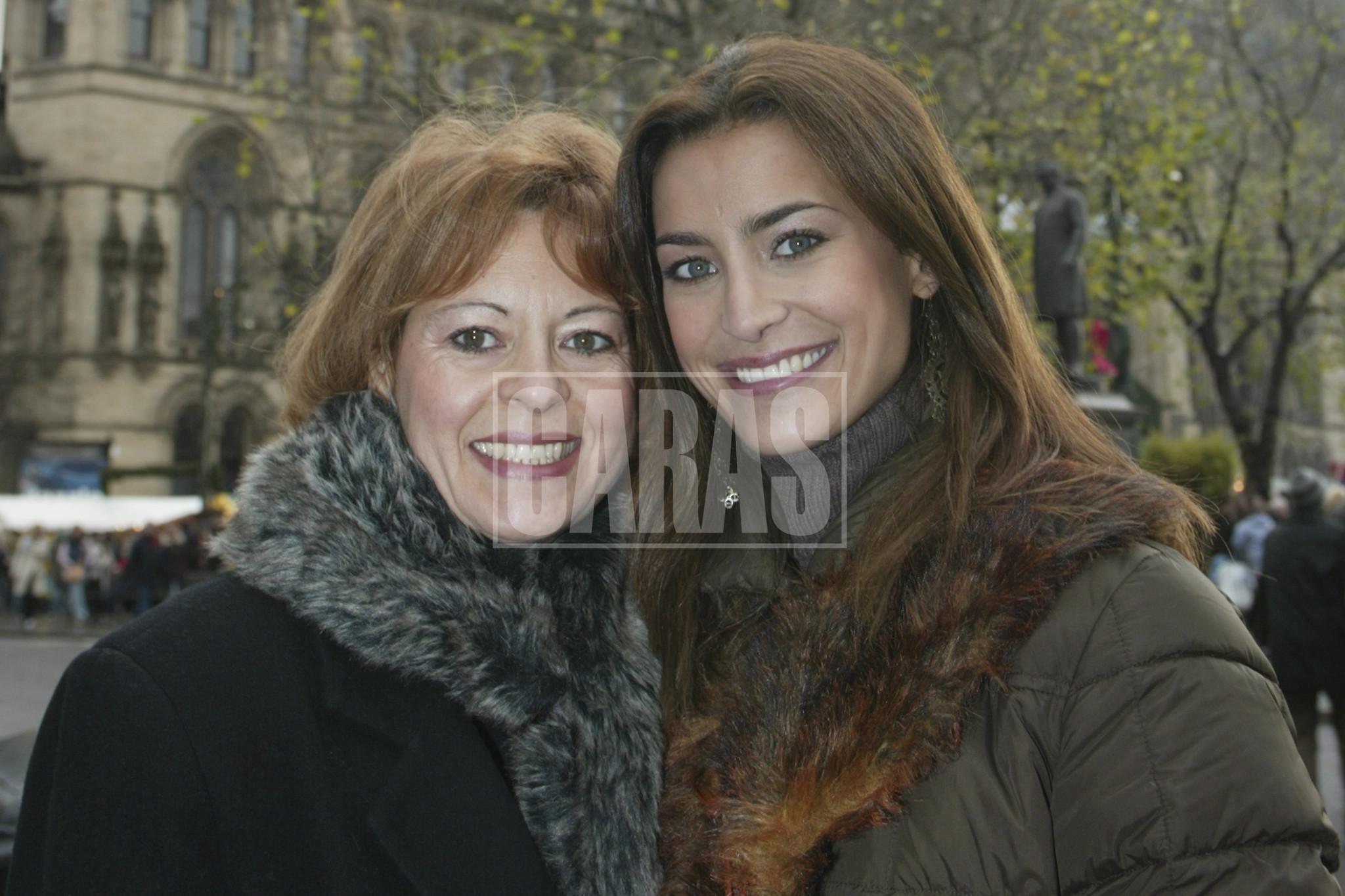 Andreia Dinis com a mãe, Maria da Graça.jpg