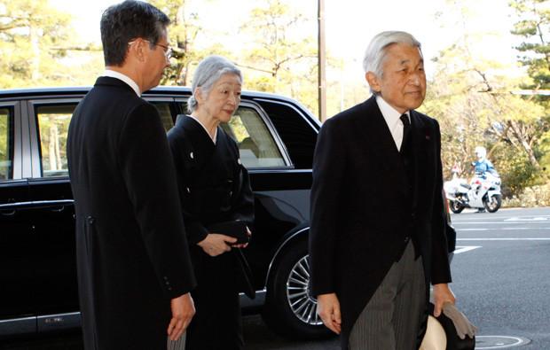 Os imperdadores Michiko e Akihito do Japão.jpg