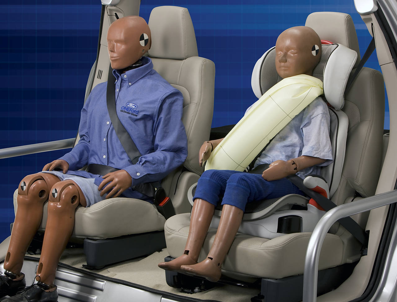 Ford_Revealed_Inflatable_Seatbelt_03.JPG