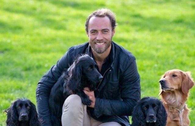 James Middleton apresenta nova cadelinha de olhos verdes